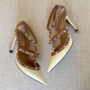 Valentino Rockstud Heels Cream Size 7.5
